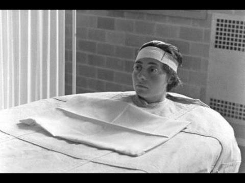 【閲覧注意】胸が、心が痛くなる衝撃画像…精神病院に関する古写真に写る信じがたい真実…!!!!
