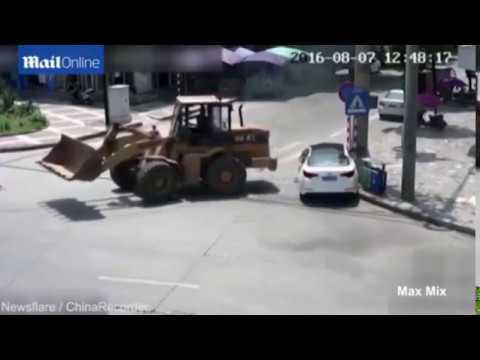 【ドラレコ】[2017年2月] 世界の交通事情 路上喧嘩【ビデオショック】