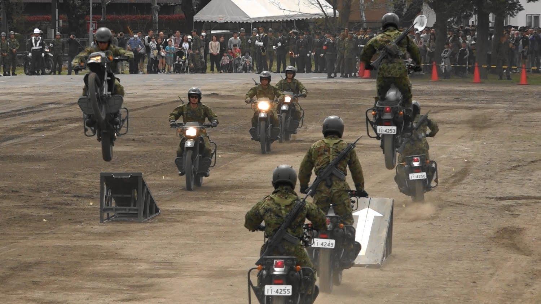 【スピード!!スリル‼︎見事なチームワーク!!】 バイクアトラクション 平成28年度 練馬駐屯地創立記念行事