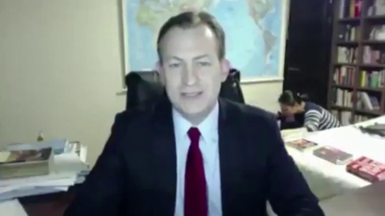 【笑いの神】BBC 生中継中に子供と母親が乱入