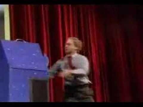 人体切断マジックを透明な箱で種明かし