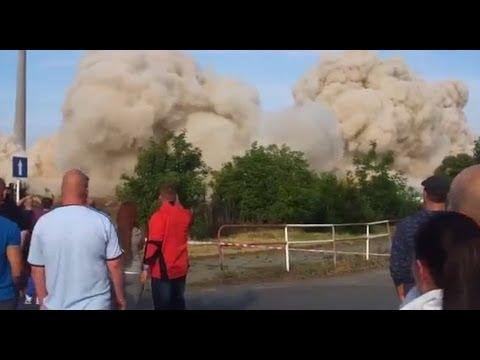 【衝撃】神回避!!爆破解体で破片が凄い速度で飛んできた瞬間