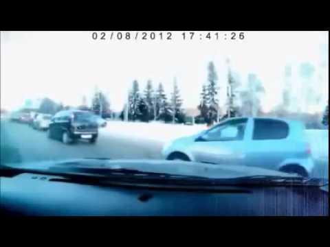 車線をゆずらない女性DQNが制裁をうける ドライブレコーダ
