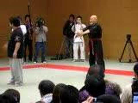 (合気達人)柳龍拳 VS (総合格闘家)岩倉豪