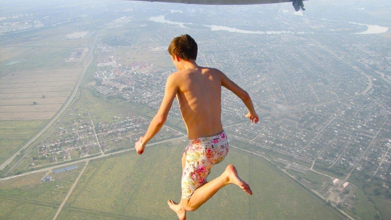 人類史上最も高い場所からの超絶ジャンプ20選