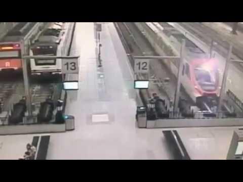 【列車事故】バルセロナで列車が止まり切れず【海外】