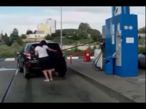 【衝撃的】ガソリンスタンド 危険ハプニング集 ドッキリじゃないリアル映像