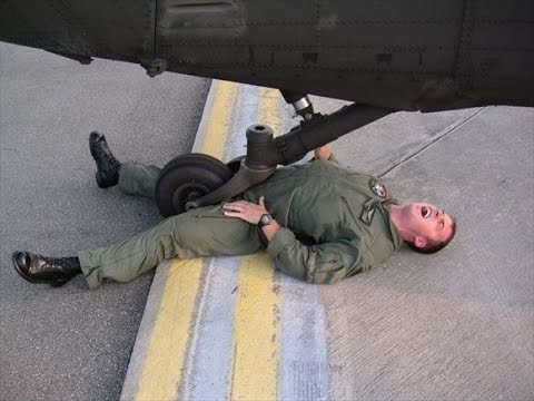 【おもしろ】世界は意外と平和かもね!軍人さんほっこり画像