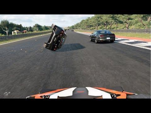 目の前でGT-Rが横転するアホな光景 GTsport