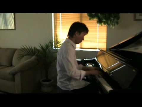 ピアノの前に座るとみんな笑いましたが、幻想即興曲を弾き始めると