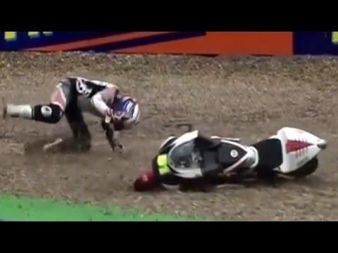 くそ!滑っておしりが痛い!面白バイクの転倒事故の瞬間