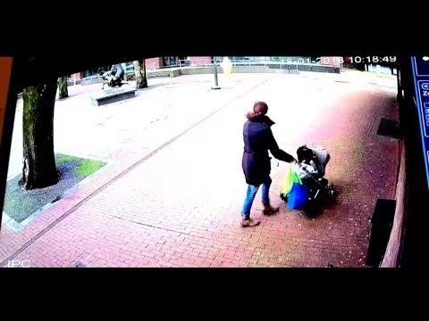 【恐怖】お母さんがベビーカーを押して歩いてた→この後恐ろしい展開に