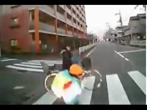 【ドラレコ】交差点で急発進する危険車【コメント付き】