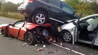 【衝撃映像】ドライブレコーダーは見た!自業自得な車の強烈な衝突!