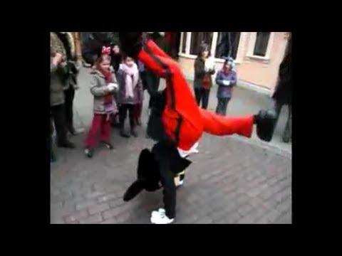 【感動衝撃】ダンスバトルを挑んだ少年にミッキーが神対応 ディズニーランド(matomeya2)