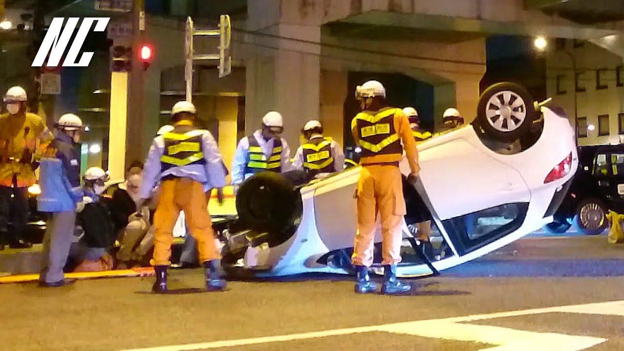 警察にキレる消防隊員。転覆した車(東京 板橋区)