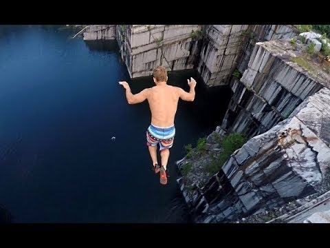 見ただけで思わずのけ反ってしまう、高所からの飛び込み映像