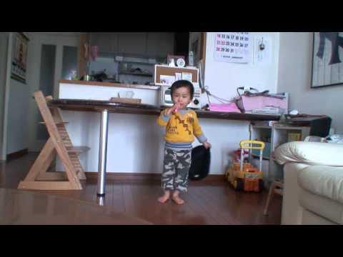 マイケルジャクソン 踊る2歳児