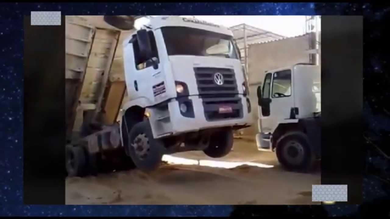 【閲覧注意】アクシデントの瞬間 トラックの積み荷の悲劇 画像集