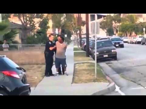 お笑い – おもしろ – 彼を逮捕した後、警察は飼い犬の犬を撃つ!