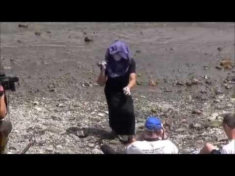 カルト教団イルカ教の不気味な儀式1