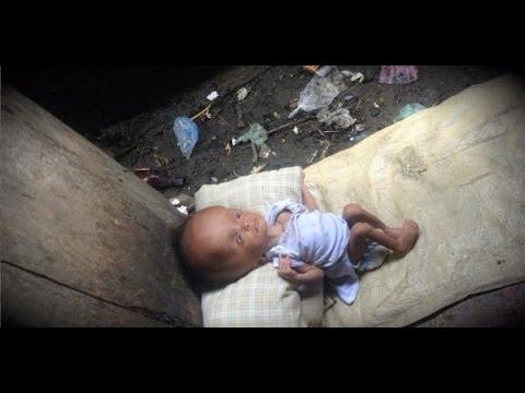 【涙腺崩壊】彼女はゴミの山から赤ちゃんを見つけ救助する。しかし、その後に起きた出来事に絶句・・・