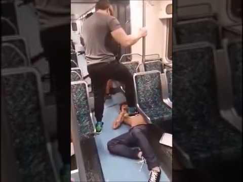 【悲報】電車で暴れるキチガイが格闘家にスリーパーをかけられた結果ww…