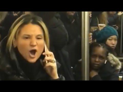 【NY地下鉄】アジア人女性を傘で何度も殴打する白人女性