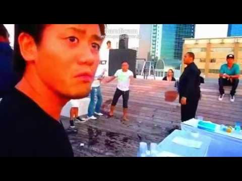 【ケンカ】 黒人と日本人ヤンキーのガチケンカ! 【ヤクザ】 ブチギレ 関東連合 喧嘩 暴走族 チーマー マフィア 衝撃映像 ギャング 殴り合い 抗争 暴力団
