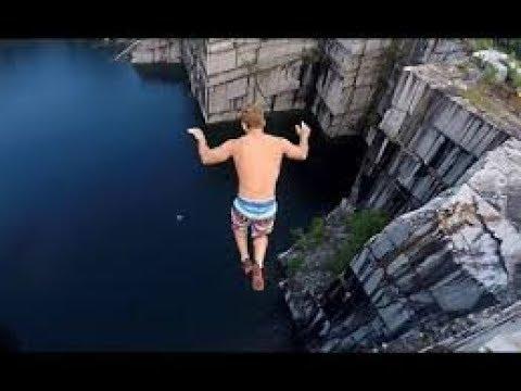 【飛び込み】高所から何の躊躇もなく飛び込むクレイジーな男達。