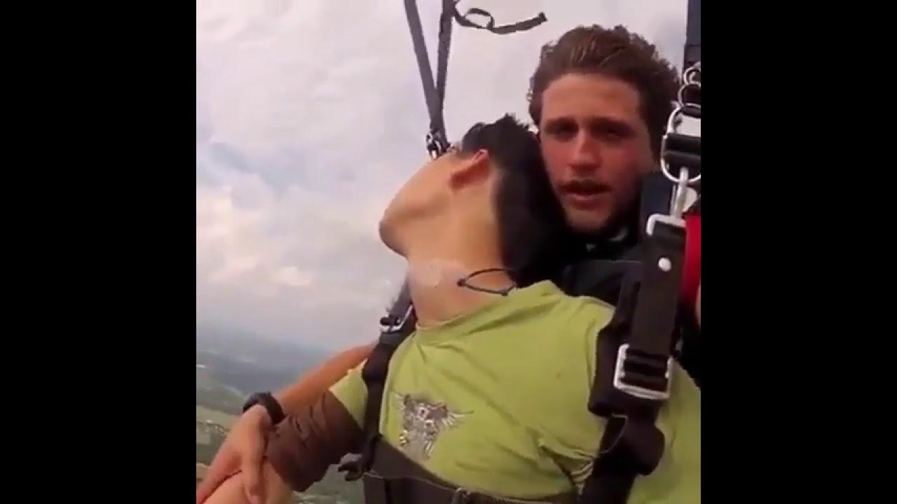 スカイダイビング中に気絶しました。