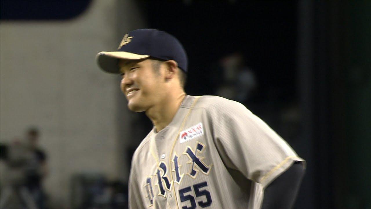 【プロ野球パ】T-岡田の美しいダイビングキャッチ!!好守備に自身もニッコリ  2015/09/09 L-Bs