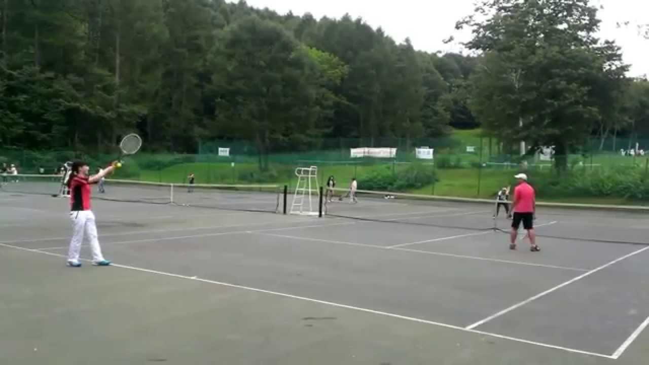 【衝撃映像】間一髪サーブが当たりそうになる瞬間映像(スローバージョン)テニス ミックスダブルス エキシビジョン
