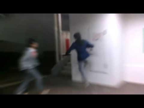 壁を使った攻撃の仕方