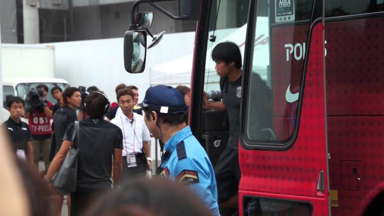 2014年8月9日 川崎 VS 浦和 試合前 浦和選手バス到着(槙野いじり)