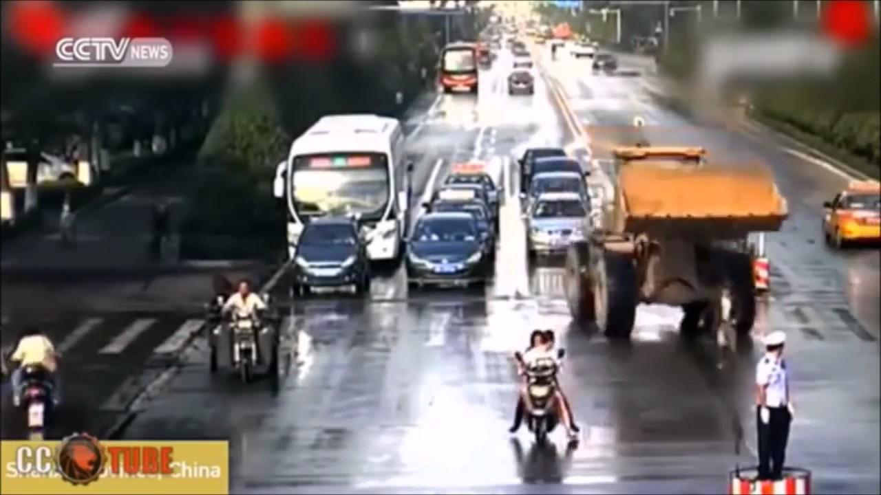 ドライブレコーダー衝撃事故映像 DQN マジキチな輩たち【世界の事故・マジキチ・喧嘩集】