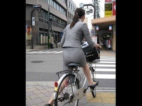 【ミニスカギャルがバイクと衝突で激怒wドラレコありえない動画集】