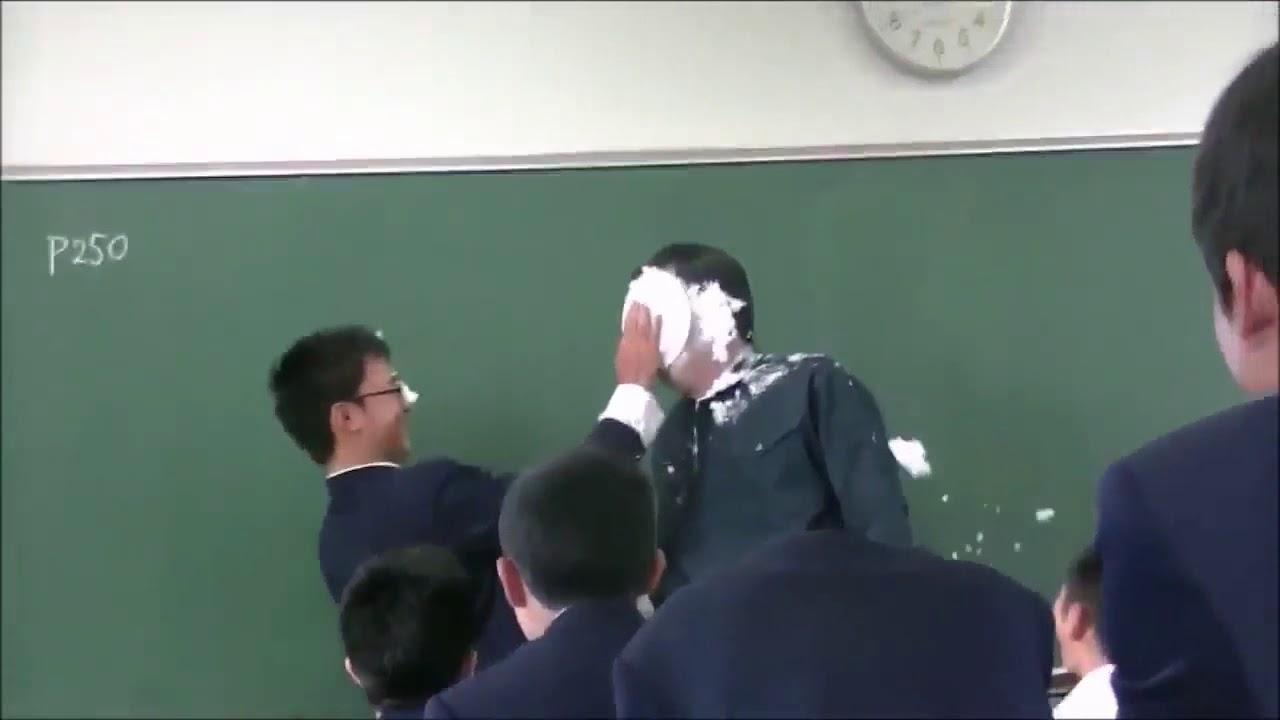 先生が生徒に体罰したーぞー警察官出動のはめになる!