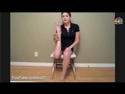足を180度曲げられる女性